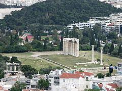 アクロポリスから見たゼウス神殿